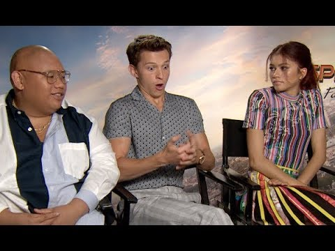 Tom Holland accidentally ghosted Robert Downey Jr. - Spider-Man: Far From Home interviews