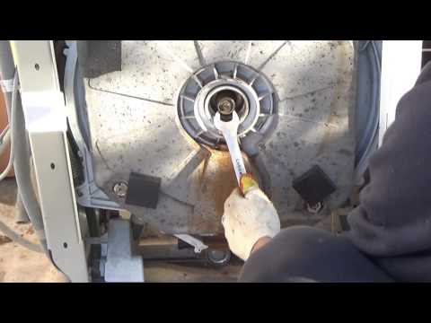 Ремонт стиральной машины зануси, замена суппортов (подшипников)