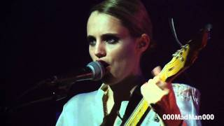 Anna Calvi - First We Kiss - HD Live at Nouveau Casino, Paris (8 Feb 2011)