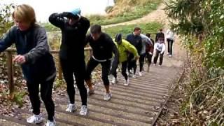 preview picture of video 'Séance d'escalier pour l'Adidas Running Crew de Guyancourt'