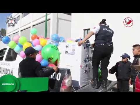 POLICÍAS DE CHIMALHUACÁN REGALAN JUGUETES A NIÑOS DE ESCASOS RECURSOS