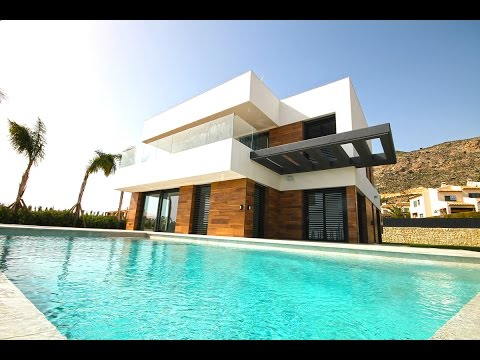 Качественная Хи-Теч вилла в Испании в Сьерра Кортине недвижимость в Испании  2017 года в Бенидорме