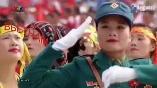 Невероятные женщины и мужчины в парадах армий мира.