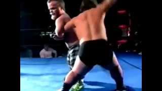 preview picture of video 'smackdown orang cebol lucu dan unik gulat'