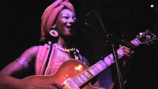 Fatoumata Diawara - Nayan live at Jazz Cafe