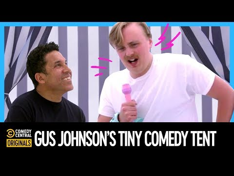 Gus Johnson Sets Up His Own Tiny Comedy Tent at Clusterfest