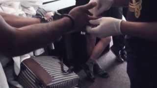 Студентам ДВФУ продавали наркотики