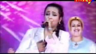تحميل اغاني Zina Daoudia - Sahra Lakom 2005 MP3