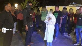 "Anggota Polsek Nunukan Dikejutkan 12 ""Pocong"" Loncat di Jalan, saat Dikejar Lari Tunggang Langgang"