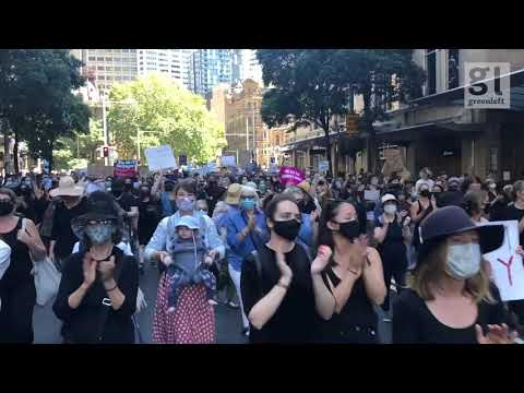 Thousands at Sydney #WomensMarch4Justice