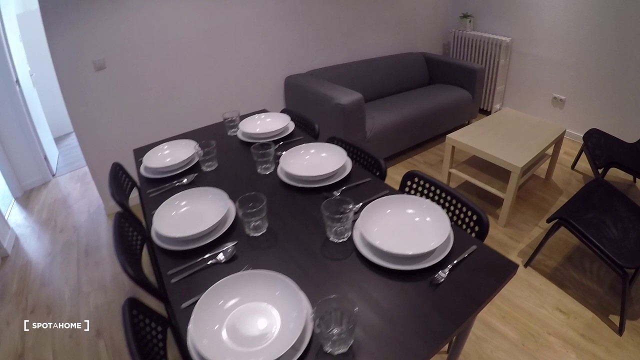 Rooms to rent in 9-bedroom apartment near Madrid City Center