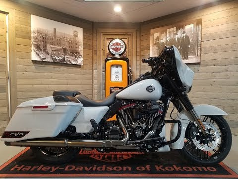 2020 Harley-Davidson CVO™ Street Glide® in Kokomo, Indiana - Video 1