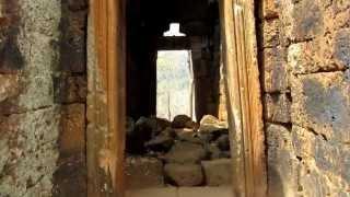 preview picture of video 'Atop Phnom Banon Temple in Battambang, Cambodia 2'