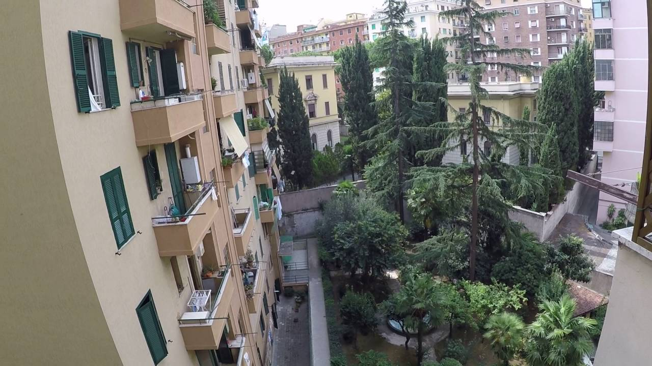 Rooms to rent in a 3-bedroom apartment in San Giovanni