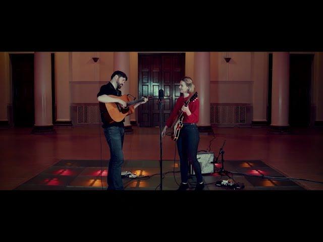 Hannah Read & Kris Drever – Moorland Bare