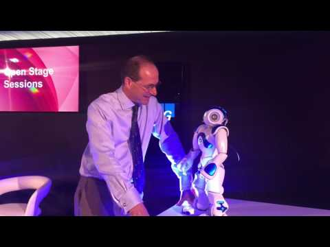 Futurist Speaker: Robot talking to a Futurist. Artificial Intelligence - Keynote Speaker