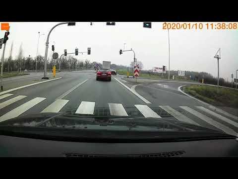 wyprzedzanie-na-swiatlach-z-pasa-do-jazdy-w-prawo