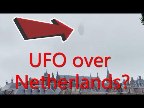 GEWELDIGE UFO overdag boven parlementsgebouw in Den Haag, Nederland