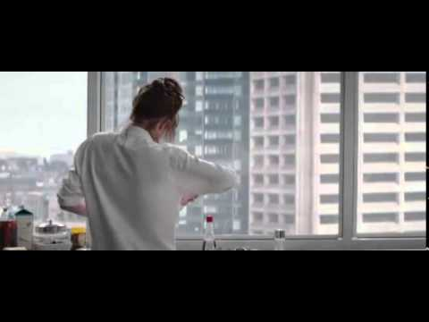 Fifty Shades of Grey (Clip 'Anna Makes Pancakes')