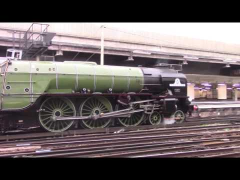 60163 'Tornado' at Clapham Junction, London Victoria & Imper…