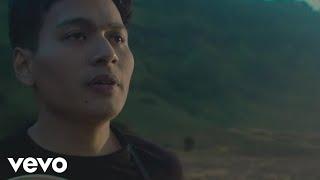 Rendy Pandugo - Silver Rain (Official Music Video)
