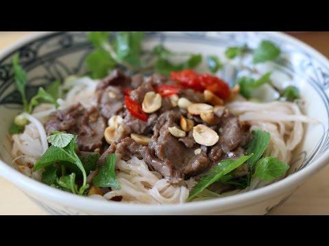 Sweet Sour PHO Noodle Salad (Phở trộn sốt me)