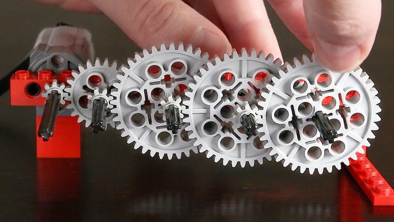 Un tren de engranajes de Lego con una relación de transmisión de más de 1 gúgol a 1