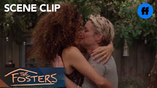 416 - Scène 3 : Stef et Lena se remarient !