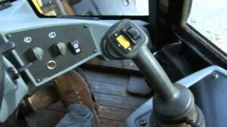 Cat® Small Wheel Loader | Operator Station and Controls