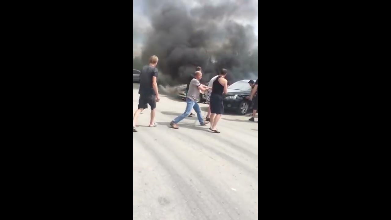Неравнодушные жители Новосибирска спасли чужие авто от пожара