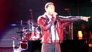 """""""Satisfaction"""" by John Legend on his Evolver Tour at Maryhill Winery!"""
