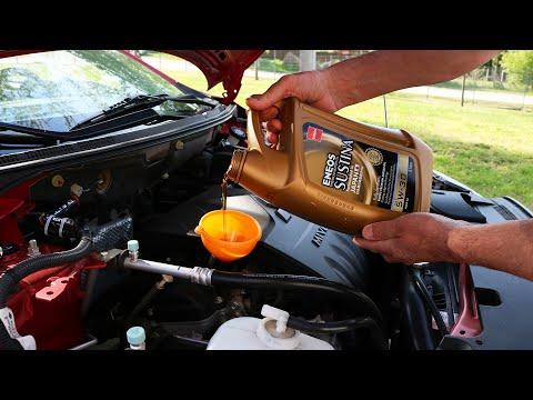 Wie otmyt der Asphalt vom Benzin