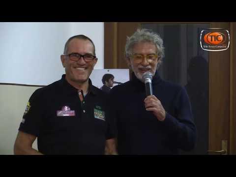 Preview video Ivrea: presso il centro Auser, l'ortopedico Paolo Ghiggio ha raccontato la vita del campione Fausto Coppi.