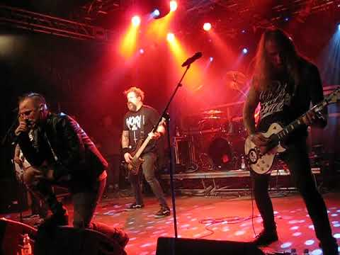 CYHRA - Holding Your Breath (Live)
