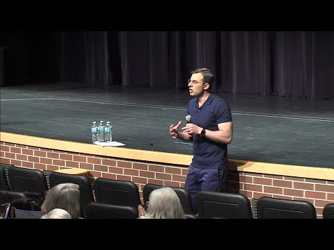 The only Republican in Congress to accuse President Donald Trump of impeachable conduct was largely applauded during a town hall in his Michigan district. Rep. Justin Amash spoke to hundreds of people Tuesday night in Grand Rapids. (May 29)