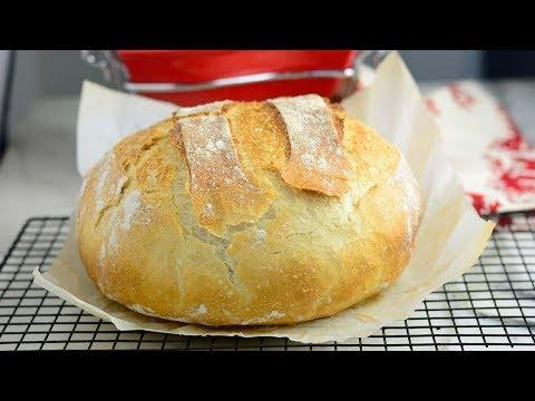 Crusty No Knead Dutch Oven Bread !