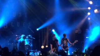Long way home- 5 seconds of summer (live)
