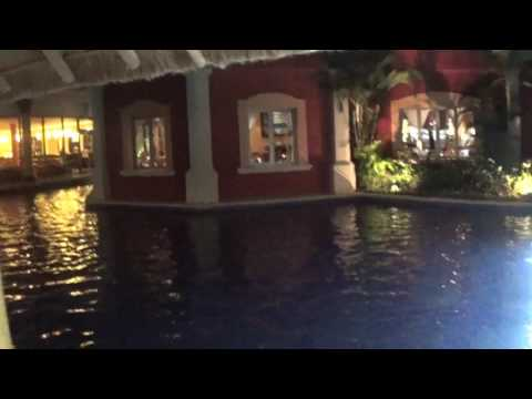 Barcelo Maya Beach Resort, Walking To the Lobby Colonial.