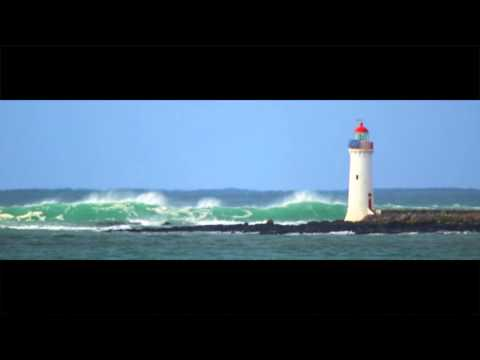Port Fairy drone of big swell