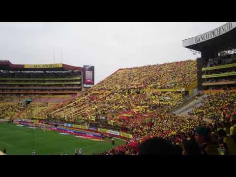 """""""Recibimiento de la Sur Oscura 2016"""" Barra: Sur Oscura • Club: Barcelona Sporting Club"""