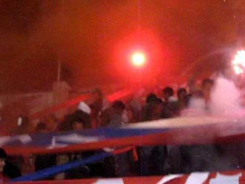 """""""UNIVERSITARIO DE SUCRE  vs  CERRO PORTEÑO (lokura kapitalina 22)"""" Barra: Lokura Kapitalina 22 • Club: Universitario de Sucre"""