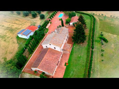Umbria South Two Farmhouses completely recently restored for 700 mq