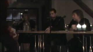 preview picture of video 'Valcafé á Seglloftinum - Miðnámsskúlanæmingur spyr um lestrarstuðulin'