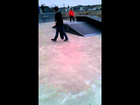 Scooter backfkip dubois skatepark