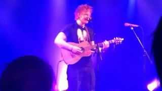 Ed Sheeran Kiss Me Exclusive Acoustic Set (8 13 MB) 320 Kbps