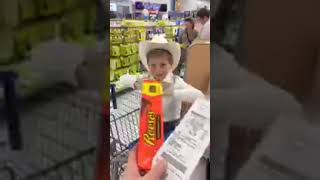 Mason Ramsey Singing at Walmart in Clarksville, TN - Jan. 2017 - Video Youtube