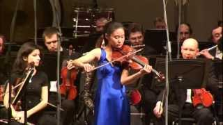Shoji Sayaka plays Mendelssohn's Violin Concerto in E minor