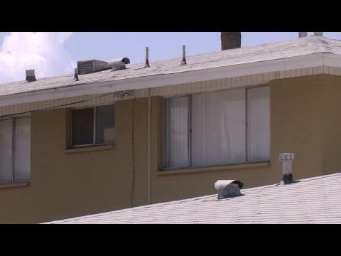 Judge strikes down eviction moratorium
