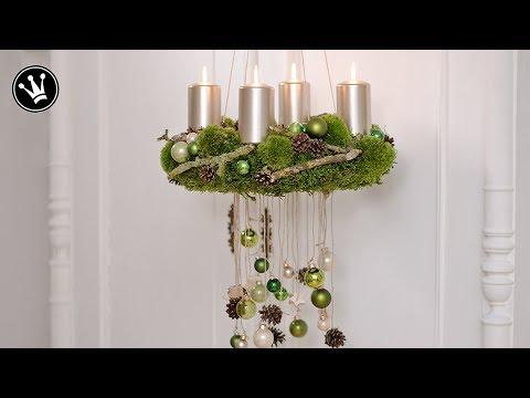 DIY- Adventskranz selber machen | aus Moos, Zapfen, Zweigen und Glaskugeln | Trend 2017 Grün-Natur
