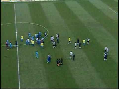 Briga em campo entre Corinthians x Avaí